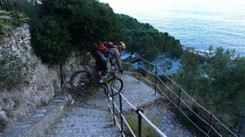 Strada delle Cinque Terre, Liguria